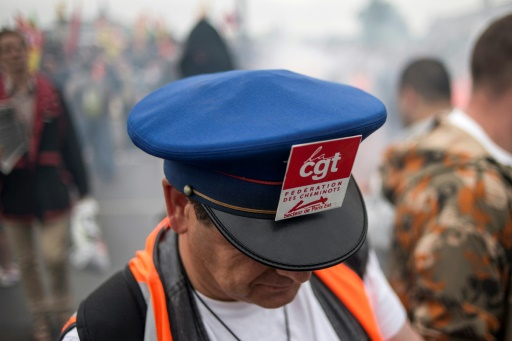 Grève SNCF: le soutien de l'opinion progresse mais reste minoritaire (sondage)