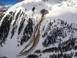 Trois personnes décédées dans une avalanche samedi en Valais