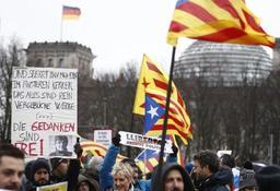 Crise en Catalogne - Quelques centaines de manifestants à Berlin réclament la libération de Puigdemont