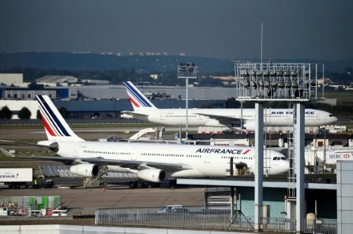 Grève à Air France: 75% des vols assurés mardi