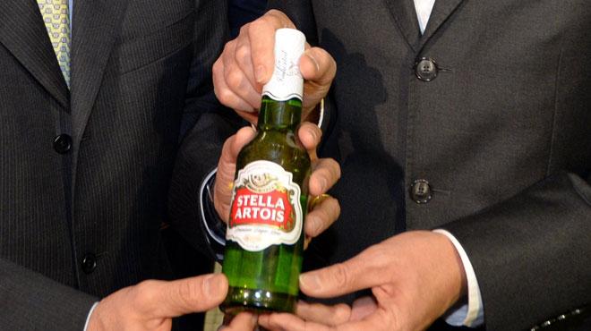 Attention si vous avez cette bière dans votre frigo: Stella Artois rappelle des bouteilles qui pourraient contenir des particules de verre