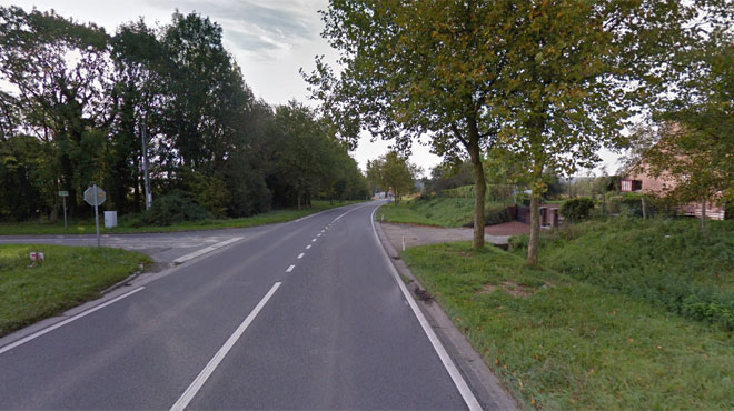 Nivelles: une voiture termine dans un fossé, deux personnes blessées dont une gravement