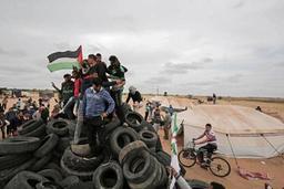Un Palestinien tué par des tirs de soldats israéliens à la frontière entre Gaza et Israël