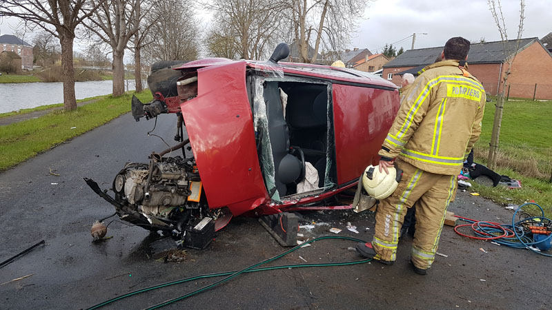Grave accident à Luttre: une petite fille est restée coincée sous la voiture