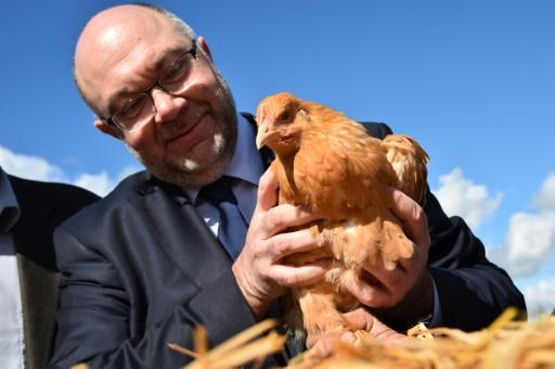Agroécologie: la France veut passer à 10% des exploitations concernées, annonce Travert
