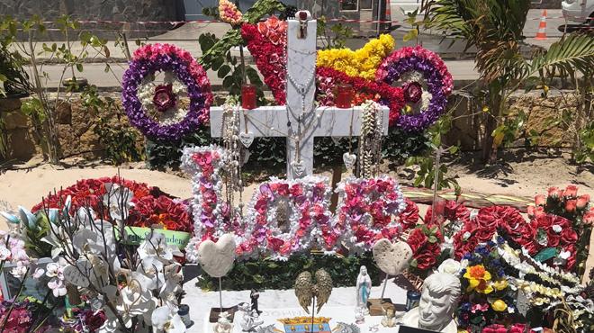 Voici à quoi ressemble la tombe de Johnny Hallyday quatre mois après son décès (photos)
