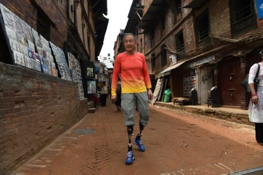 Double amputé, un Chinois repart à la conquête de l'Everest