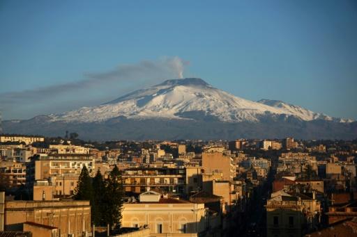Le volcan Etna glisse lentement mais sûrement vers la Méditerranée