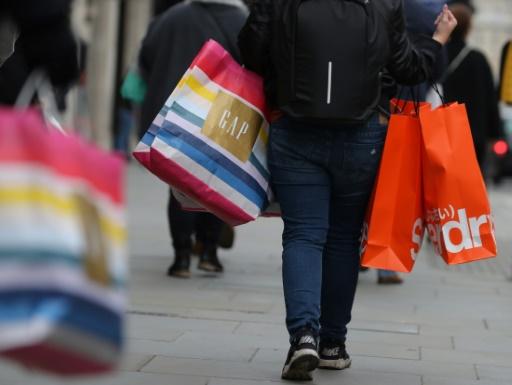 GB: les ventes en magasin au plus bas depuis 2008 en mars, la météo en cause