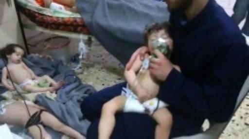 Syrie: frappes contre un aéroport militaire après une attaque chimique présumée