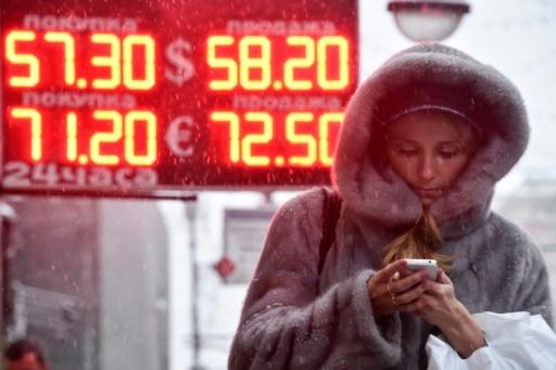 Moscou: les indices boursiers chutent d'environ 10% après les sanctions américaines