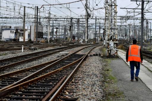 SNCF: l'Assemblée approuve le principe du changement de statut, reprise