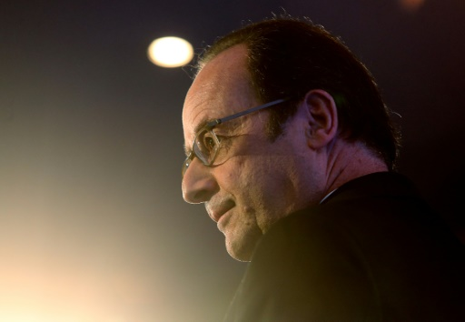 Hollande critique sur la politique de