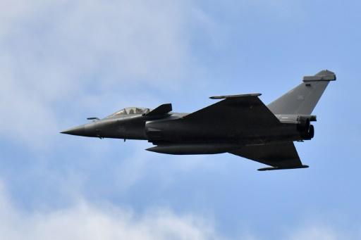 Les options de la France pour frapper en Syrie: avec qui, quoi, comment?