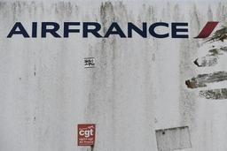 Grève à Air France: 200 à 300 manifestants à Roissy pour réclamer des