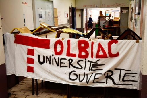 Blocage à Tolbiac: sollicitée par l'université, la police ne prévoit pas d'intervenir pour l'heure