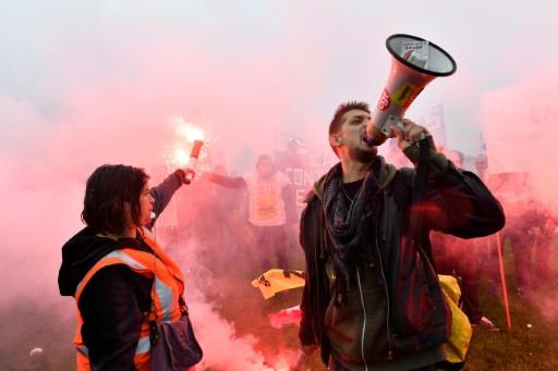 SNCF: l'Unsa presse le gouvernement de négocier pour sortir du conflit