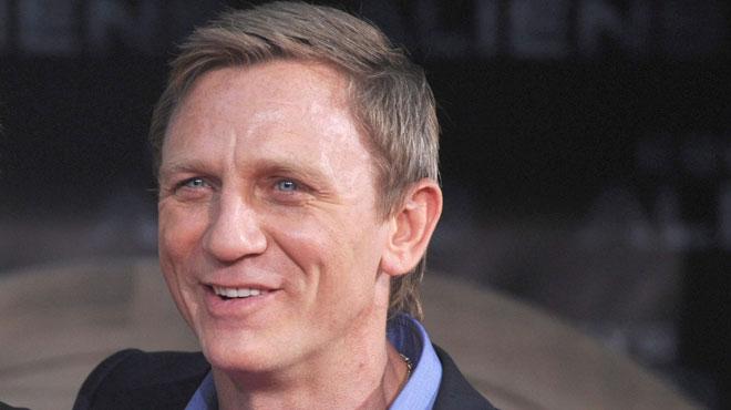 Incroyable nouvelle: Daniel Craig endossera une nouvelle fois le costume de James Bond