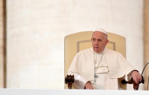 Pédophilie au Chili: le pape reconnaît de