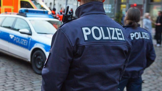 L'Allemagne sous le choc: un homme poignarde son ex-femme et sa fille d'un an sur le quai d'une gare