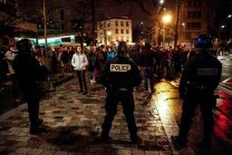 Intervention de la police à la Sorbonne à Paris pour évacuer des étudiants