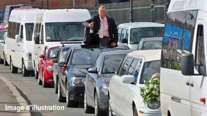 La police de Bruxelles intercepte ENCORE un cortège de voitures pour un mariage