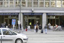 Des blocs de béton pour protéger l'entrée de 22 gares