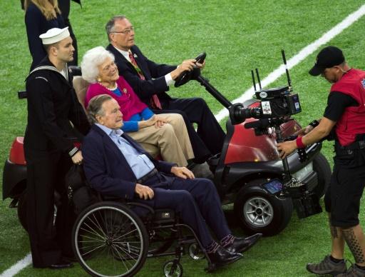 Etats-Unis: Barbara Bush, mère et femme de présidents, en soins palliatifs