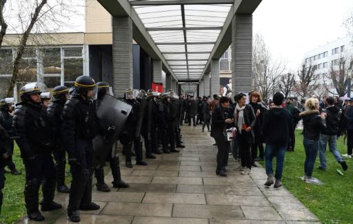 Universités: les partiels reportés à Nanterre, nouveau recours de l'UNI à Tolbiac