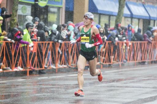 Marathon de Boston: le Japonais Kawauchi gagne et bat le champion du monde