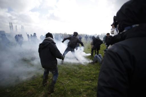 NDDL: premières condamnations après les incidents du week-end