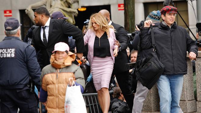 Avocat de Trump au tribunal: l'actrice porno Stormy Daniels et une vedette de Fox News font sensation (photos)