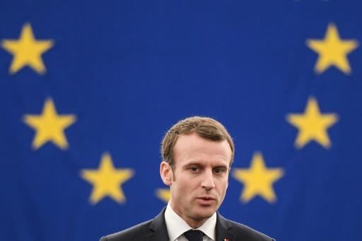 Macron appelle l'Europe à résister aux tentations