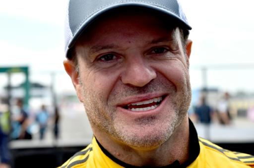 L'ex-pilote de F1 Rubens Barrichello a subi un AVC et l'ablation d'une tumeur