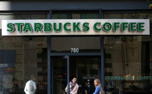 États-Unis: Starbucks va fermer ses 8.000 cafés pour un cours contre le racisme
