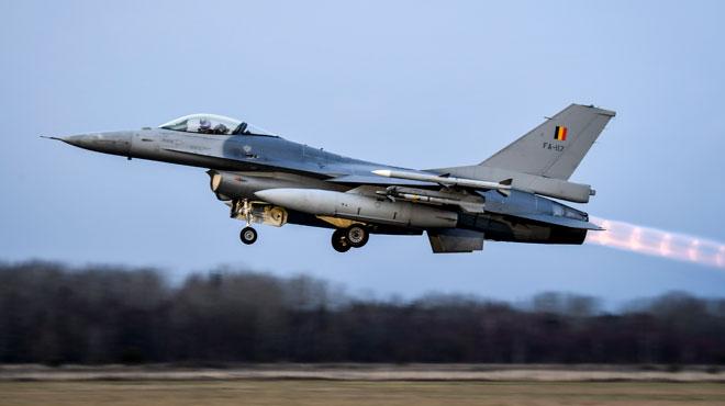 Auditionnés ce mercredi, des experts américains enterrent la possibilité de prolonger les F-16 belges