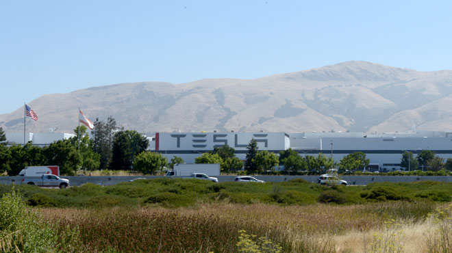Le constructeur automobile Tesla a-t-il camouflé des accidents de travail sur son site de Fremont, en Californie?