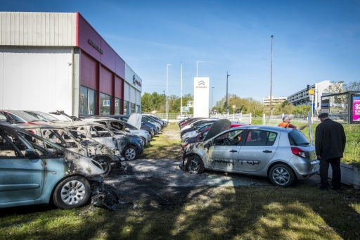 Violences urbaines à Toulouse: 11 véhicules incendiés