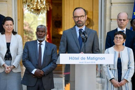 Mayotte: Philippe dévoile les contours du