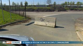 Bisbrouille linguistique- la Flandre refuse d'enlever un bloc de béton qui empêche de sortir d'un zoning wallon et d'arriver directement sur l'autoroute 2