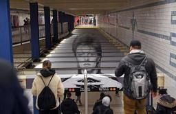 USA- David Bowie envahit une station du métro de New York, devenue musée