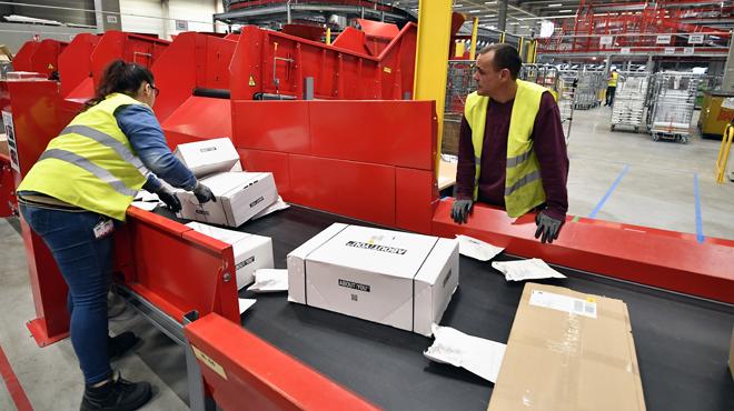 Le nombre de plaintes pour paquets perdus à la poste explose: le secteur avance deux causes principales