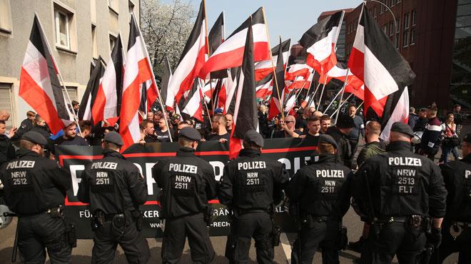 Des centaines de néo-nazis vont se rassembler pour l'anniversaire d'Hitler: ce festival