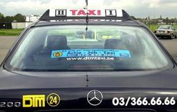 Les chauffeurs de taxi actifs en Flandre devront connaître le néerlandais