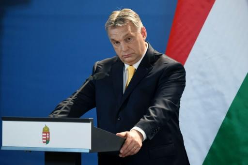 Hongrie : Orban incite à recenser les