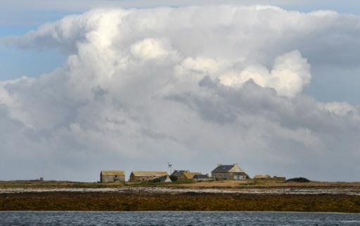 Bretagne: un morceau d'engin spatial retrouvé dans un îlot désert