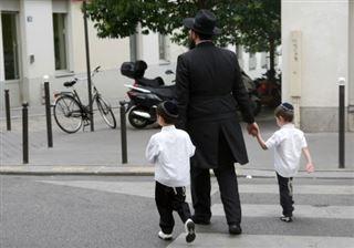 Des personnalités signent un virulent manifeste contre le nouvel antisémitisme en France