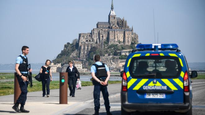 Le Mont-Saint-Michel évacué en France à cause de la présence d'un individu suspect: le site rouvre au public