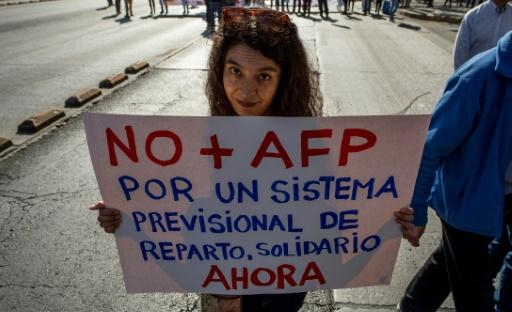 Chili: manifestation contre le système de retraites de Pinochet