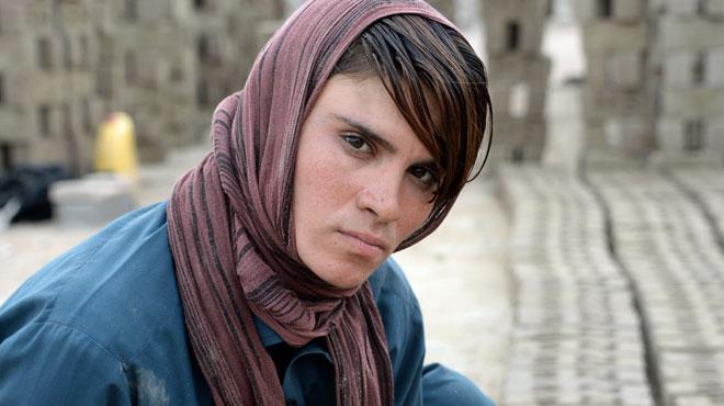 Elle se déguise en garçon pour pouvoir travailler en Afghanistan: